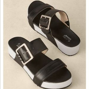 Dr. Scholl's Frill Low Slide Sandals